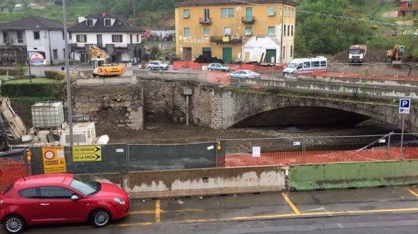 Il cantiere per la realizzazione dei nuovi ponti sul torrente Pogliaschina