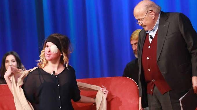 Gessica Notaro in tv da Maurizio Costanzo, durante la registrazione (foto LaPresse)