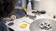 Schedatura e restauro alla moviola di una pellicola Super 8