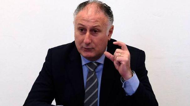 Il presidente Gianni Lorenzetti lunedì chiude la Provincia al pubblico