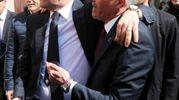 L'abbraccio di Renzi  con Lucchi (Foto Ravaglia)
