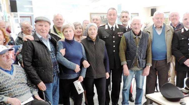 L'incontro fra anziani e carabinieri