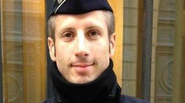 Xavier Jugele, il poliziotto ucciso a Parigi sugli Champs-Elysées (Ansa)