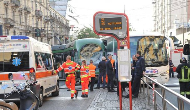 L'incidente in via Farini (Newpress)