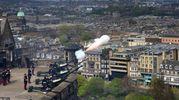 Colpi di cannone al castello di Edimburgo (Lapresse)