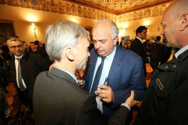 Graziano Delrio con il sindaco di Urbino Gambini (fotoprint)