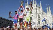 Il podio del Giro d'Italia del 2011, Scarponi sarà dichiarato vincitore dopo la squalifica per doping di Contador (foto Ansa)