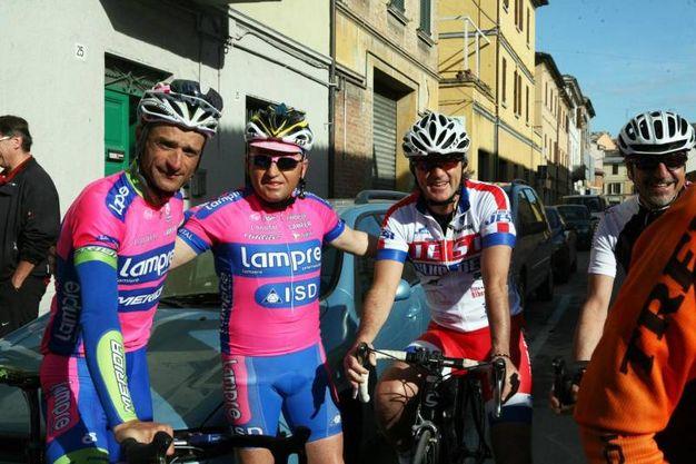 Scarponi in uno scatto del 2013 con Roberto Mancini (foto Ansa)