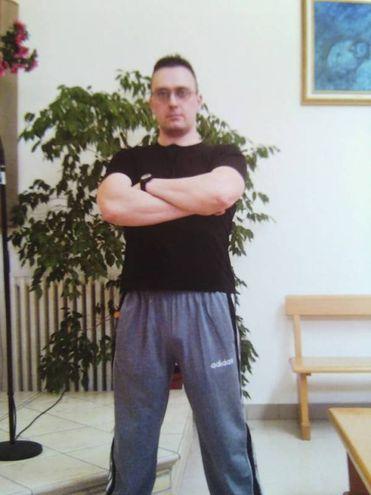 Atteggiamento 'da Rambo' in questa foto di Igor-Norbert su Facebook