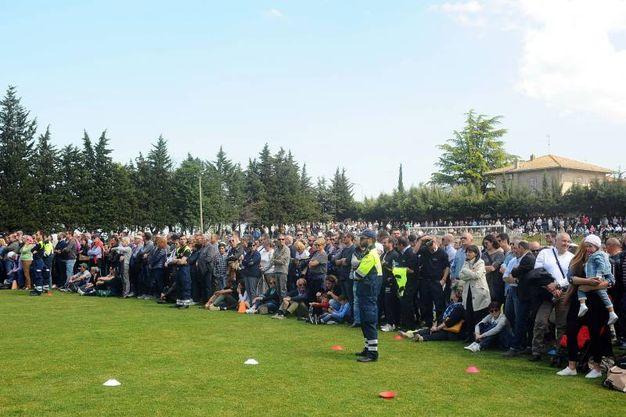 Cinquemila persone al campo sportivo di Filottrano (Foto Lapresse)