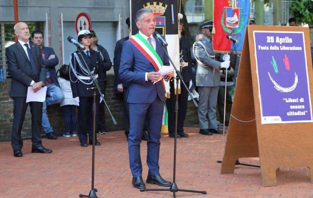 Il discorso del sindaco Paolo Lucchi (foto Ravaglia)