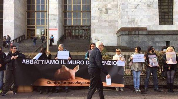 Il presidio a Milano