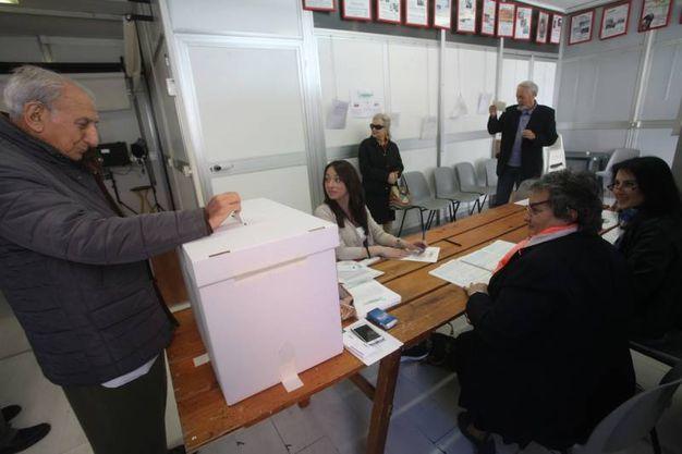400 i seggi nelle Marche per le  primarie per l'elezione del segretario del Pd (foto Antic)