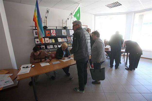 Nelle Marche colpite dal dramma del terremoto sono stati predisposti seggi speciali nei centri di accoglienza (foto Antic)