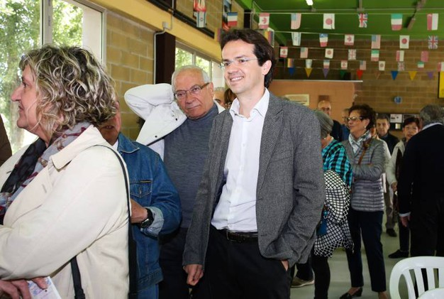 Primarie Pd, il consigliere regionale Enrico Sostegni vota nella Casa del popolo in piazza Guido Rossa (Germogli)