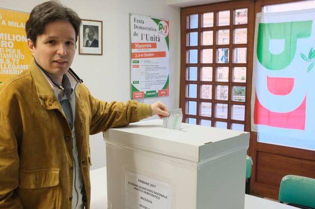 Il seggio di Macerata in via Spalato (foto Calavita)