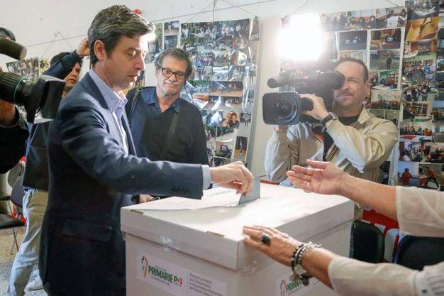 Andrea Orlando al voto a La Spezia (foto Frascatore)