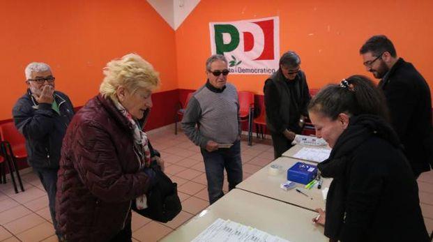 Primarie Pd, si vota a Riglione (foto Valtriani)