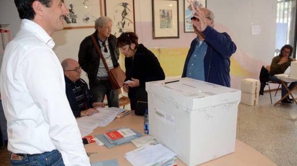 Le primarie Pd 2017 a Viareggio (Foto Umicini)