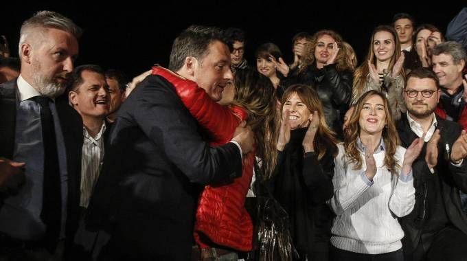 Primarie Pd, la festa di Renzi al Nazareno (Ansa)