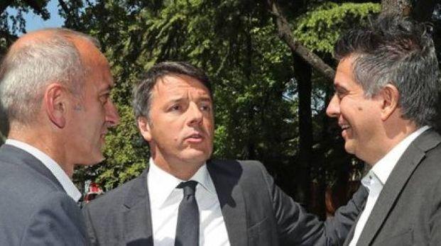 Matteo Renzi con il segretario Pd Imola Marco Raccagna e il sindaco Daniele Manca