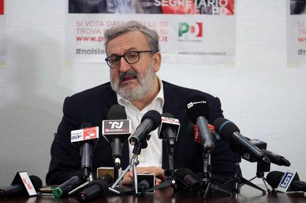 La conferenza stampa di Michele Emiliano (Ansa)