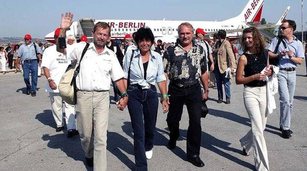 Una foto dell'arrivo dei turisti tedeschi all'aeroporto di Rimini Sotto, l'ad di Airiminum Leonardo Corbucci
