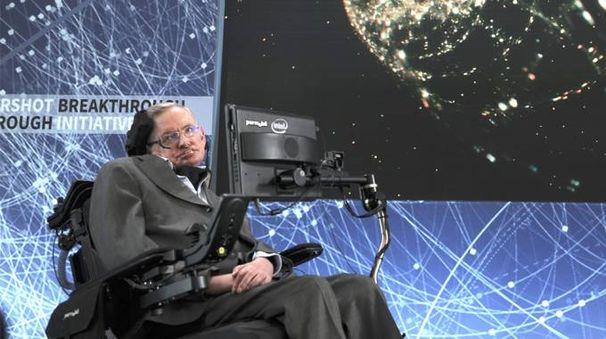 Stephen Hawking durante una conferenza tenuta nel 2016 – Foto: ZUMA - RED CARPET