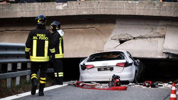 Il ponte crollato ad Annone Brianza