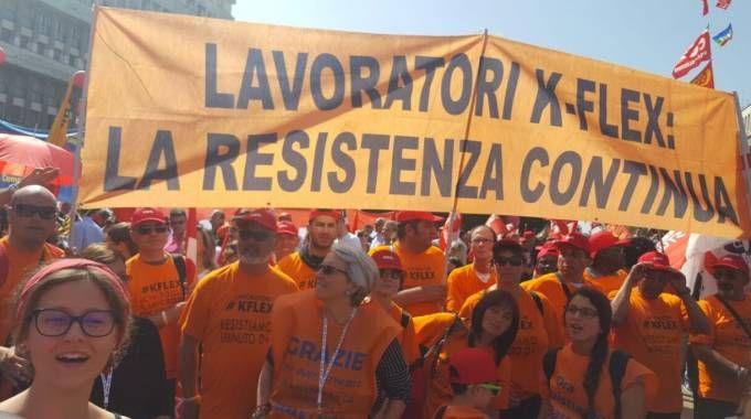 I lavoratori della K-Flex in corteo a Roma
