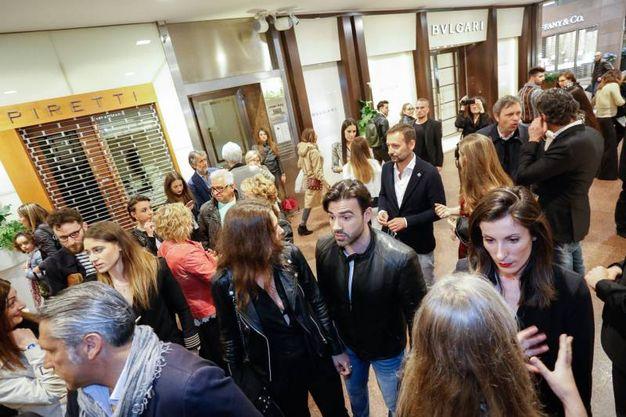 Il festoso cocktail con musica offerto dalla nuova maison (fotoSchicchi)