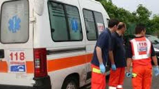 Un'ambulanza del 118 (foto di repertorio)
