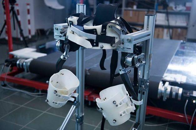 Il prototipo dell'esoscheletro al centro di riabilitazione Don Gnocchi di Firenze (foto Hillary Sanctuary / EPFL)