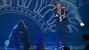 Francesco Gabbani (e la scimmia) all'Eurovision Song Contest (foto Afp)
