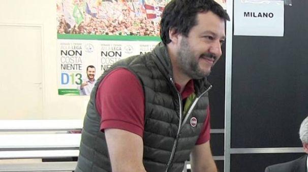 Matteo Salvini al voto (Foto Omnimilano)