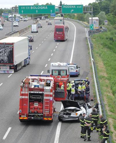L'incidente è avvenuto poco prima del casello Modena Sud (Foto Fiocchi)