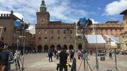 Il set di Masterchef in piazza Maggiore (foto Zanini)
