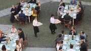 Il servizio in piazza Santo Stefano (foto Schicchi)