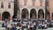 La giuria e il pubblico in piazza Santo Stefano (foto Schicchi)