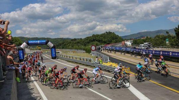 Il passaggio dall'autostrada (Fotocronache Germogli)