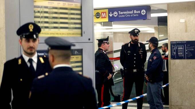 Accoltellati militare e agente Polfer in stazione Centrale (La Presse)