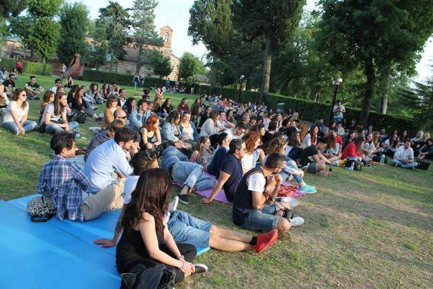 Gli studenti durante l'esibizione(foto Nigrisoli)