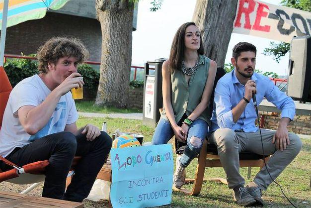 Lodo insieme al presidente degli studenti Gianmario Doka(foto Nigrisoli)