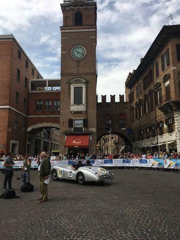 La Mille Miglia nel centro di Ferrara