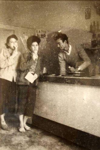 Inizialmente il negozio era una gelateria (foto Pasquale Bove)