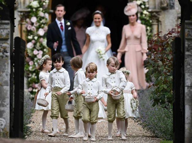 Sposi e paggetti (con Kate) (Afp)
