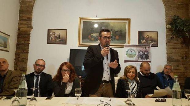 L'unico candidato sindaco, Alessandro Ricci, presenta la lista