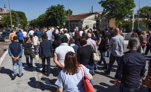 Il corteo funebre di Pinciaroli (foto De Marco)