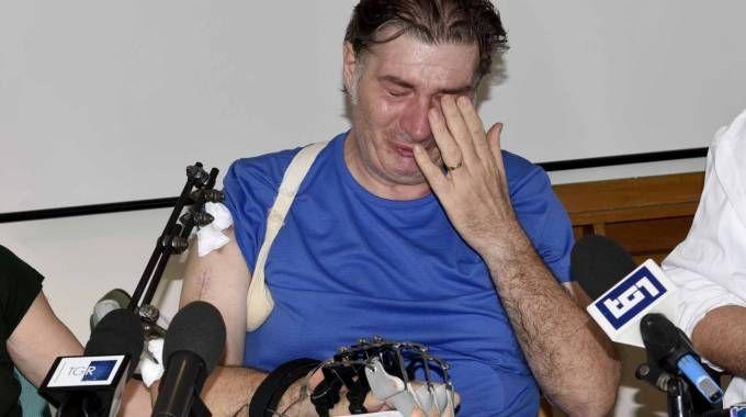 La commozione di Marco Ravaglia, ferito nell'agguato di Portomaggiore (foto Bp)