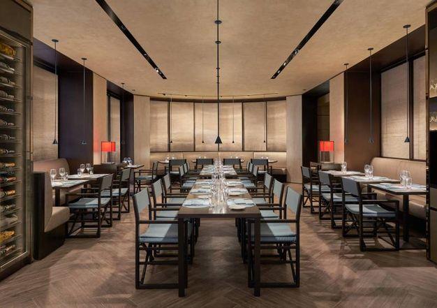 Sia bar sia ristorante, l'Armani Caffè si sviluppa su una superficie di 300 metri quadrati complessivi